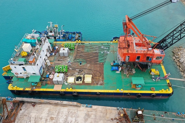 中層型浮漁礁回収・設置工事